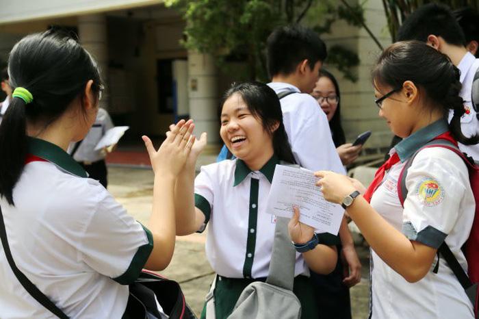 Khó dự đoán điểm tuyển sinh lớp 10 TP.HCM - Ảnh 1.