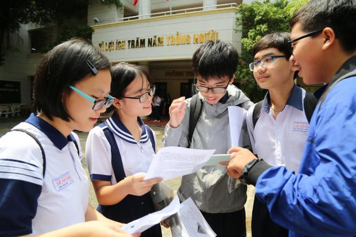 Khó dự đoán điểm tuyển sinh lớp 10 TP.HCM - Ảnh 2.