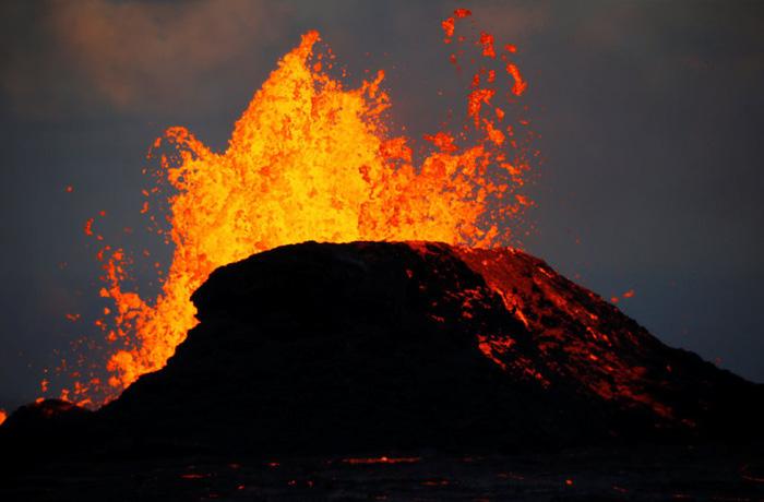 Vì sao nhiều núi lửa 'thức giấc' gần đây? - Ảnh 2.