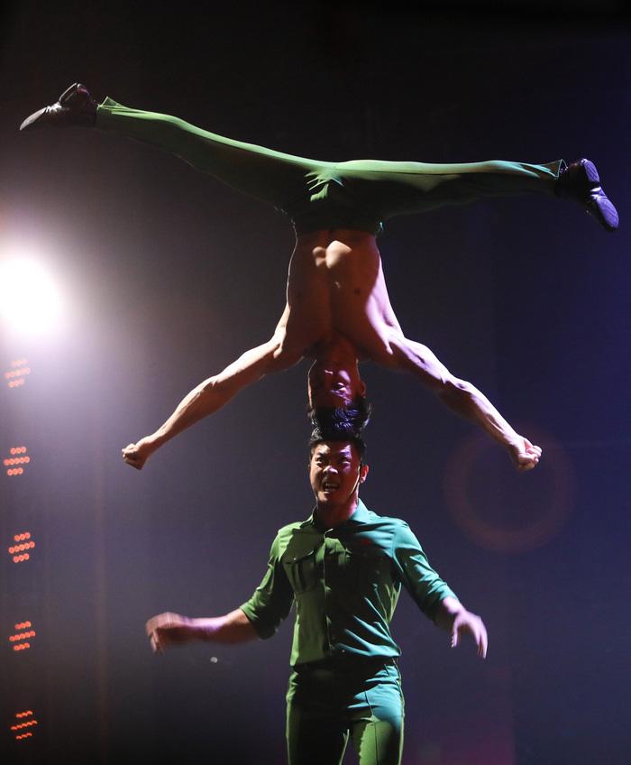 Quốc Cơ, Quốc Nghiệp kiên cường và tiếc nuối ở Britains Got Talent - Ảnh 5.
