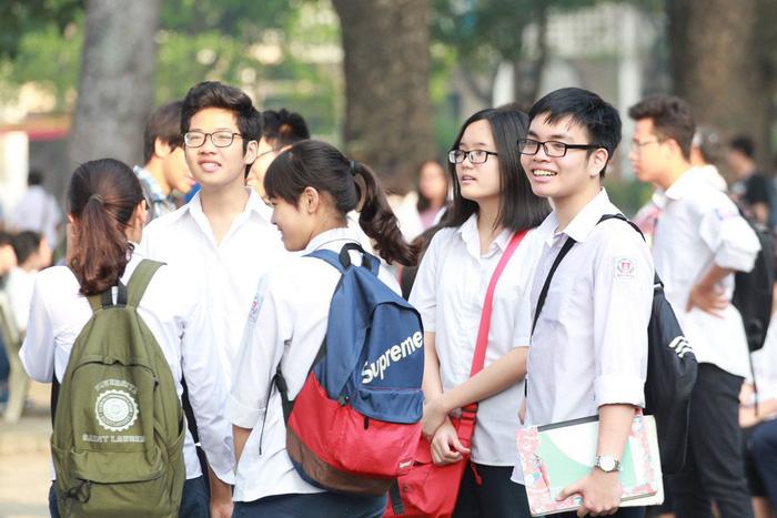 94.000 học sinh Hà Nội bắt đầu thi tuyển sinh lớp 10 - Ảnh 2.