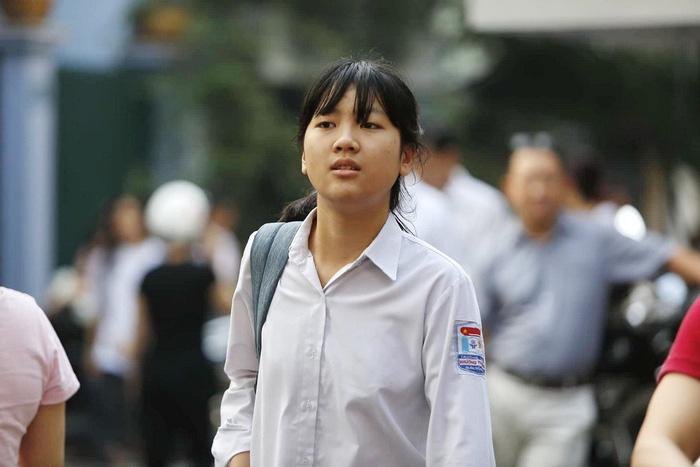 Đề văn an toàn, thí sinh Hà Nội nói dễ lấy điểm 7,8 - Ảnh 5.