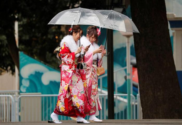 Thiếu nữ Nhật rạng rỡ kimono trong lễ trưởng thành - Ảnh 7.