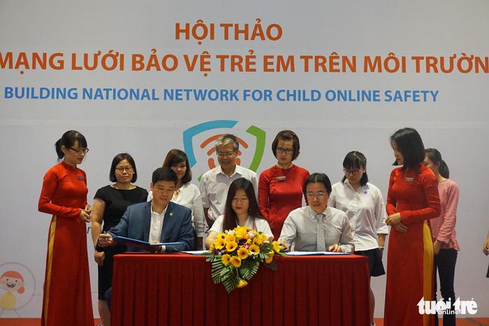 Trẻ em dễ tổn thương nhất nhưng đang đi đầu trong dùng Internet - Ảnh 3.