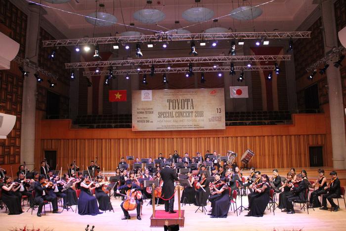 Nghe Quốc ca Việt Nam trong đêm hòa nhạc Toyota - ảnh 1