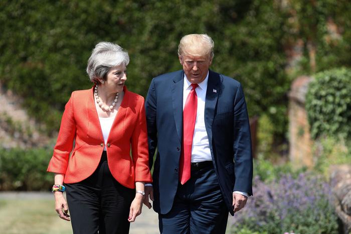 Ông Trump có thực chỉ trích Thủ tướng Anh khi đang thăm Anh? - Ảnh 2.
