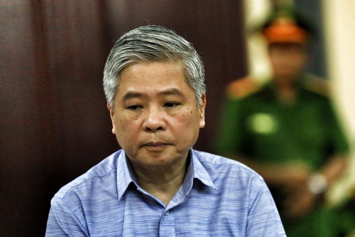 Nguyên phó thống đốc Đặng Thanh Bình bị phạt 3 năm tù - Ảnh 1.
