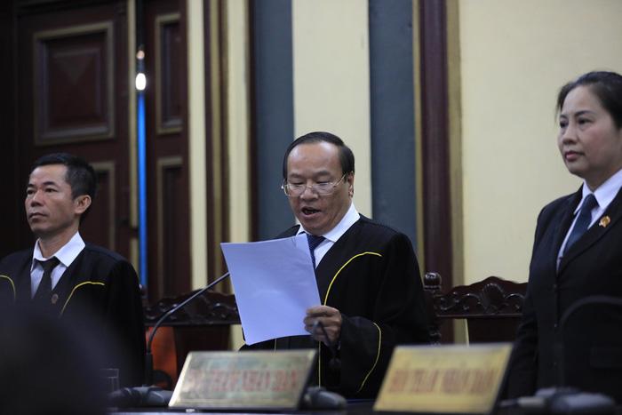 Nguyên phó thống đốc Đặng Thanh Bình bị phạt 3 năm tù - Ảnh 2.