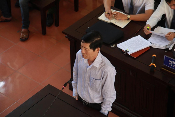Khởi tố phó giám đốc Bệnh viện Đa khoa tỉnh Hòa Bình - ảnh 1