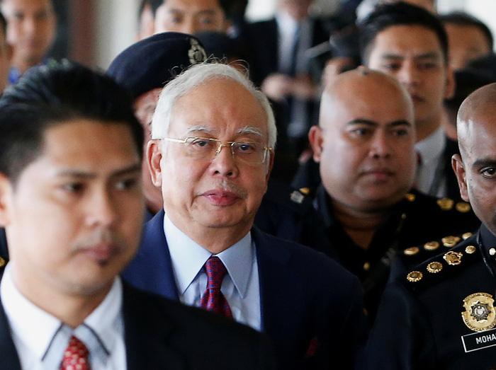 Cựu thủ tướng Malaysia phải nộp 1 triệu ringgit để được tại ngoại - Ảnh 1.