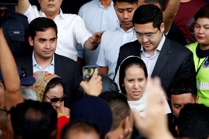 Cựu thủ tướng Malaysia phải nộp 1 triệu ringgit để được tại ngoại - Ảnh 2.