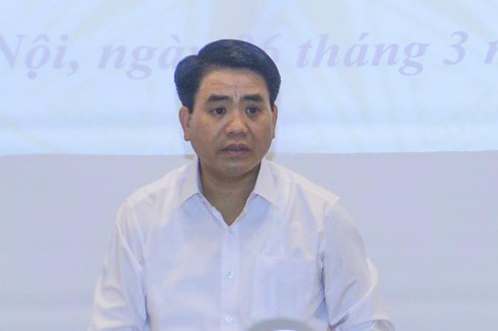 Ông Nguyễn Đức Chung giải thích ý tưởng chia sẻ dữ liệu dân cư - Ảnh 1.
