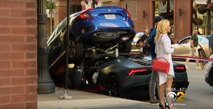 Lamborghini Huracan Spyder chui gầm Honda Civic - Ảnh 3.