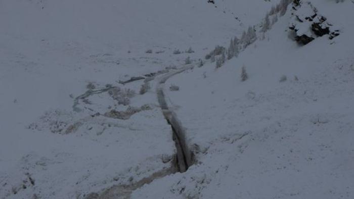 13.000 du khách mắc kẹt do bão tuyết trên dãy Alps - Ảnh 8.