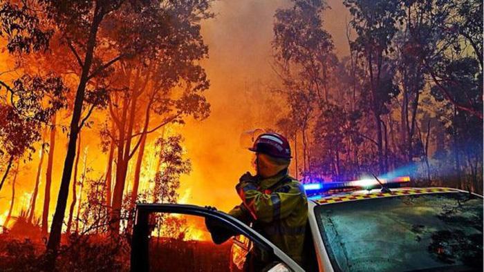 Bầu trời thành phố Úc bị nhuộm cam - Ảnh 2.