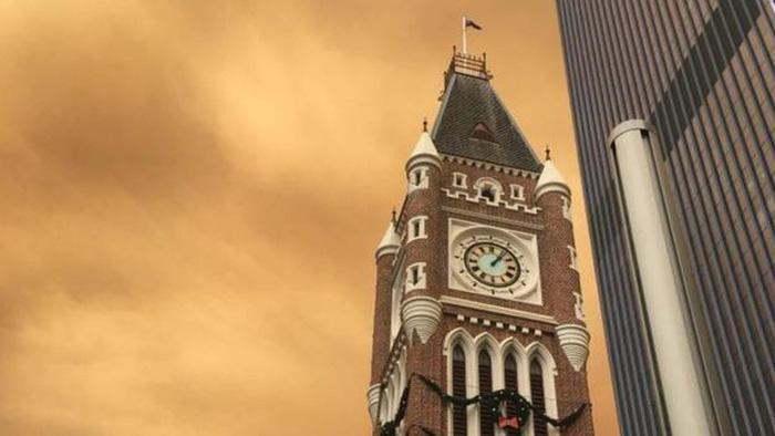 Bầu trời thành phố Úc bị nhuộm cam - Ảnh 5.