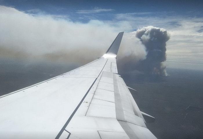 Bầu trời thành phố Úc bị nhuộm cam - Ảnh 3.