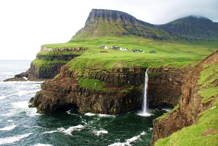 10 ngôi làng ở châu Âu khiến khách ngẩn ngơ - Ảnh 5.