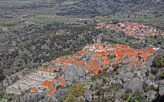 Ngôi làng đá đặc biệt nhất Bồ Đào Nha - Ảnh 2.