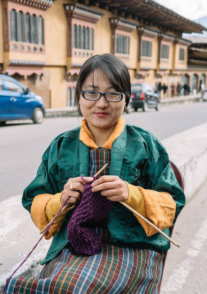 Hạnh phúc là mỉm cười ở Bhutan - Ảnh 10.