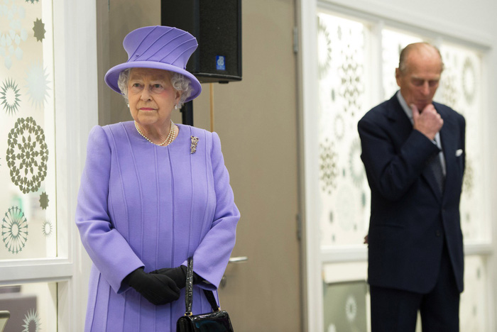 Tình yêu khăng khít suốt 7 thập kỷ của vợ chồng Nữ hoàng Anh - Ảnh 5.