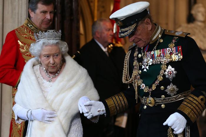 Tình yêu khăng khít suốt 7 thập kỷ của vợ chồng Nữ hoàng Anh - Ảnh 7.