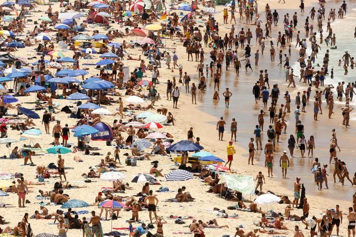 Đi Úc chơi mùa này 'tan chảy' vì nắng nóng - Ảnh 1.