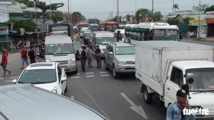 T2 BOT Quốc lộ 91 lại xả trạm vì kẹt xe do tài xế phản đối - ảnh 5