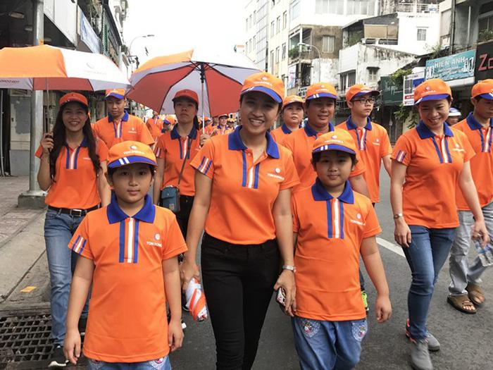 Tôn Đông Á và năm hoạt động xã hội 2017 - Ảnh 2.