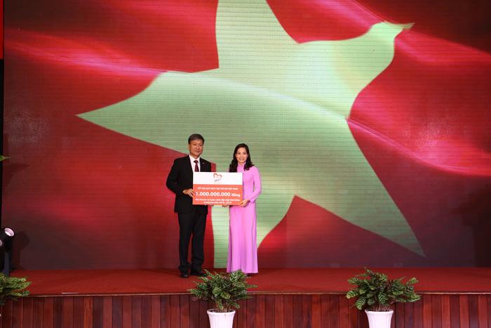 BHNT Dai-ichi tặng 1 tỉ đồng cho Quỹ Bảo trợ trẻ em Việt Nam - Ảnh 2.