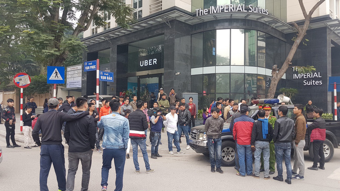 Sau Sài Gòn, tài xế Grab và Uber tại Hà Nội phản đối mức chiết khấu - Ảnh 4.