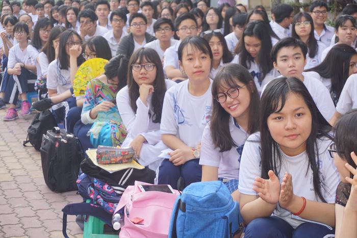 8 trường ở TP.HCM tuyển sinh lớp 10 tích hợp - Ảnh 1.