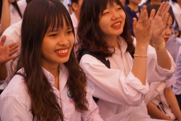 4.000 học sinh về thủ phủ sen hồng nghe tư vấn tuyển sinh - Ảnh 9.