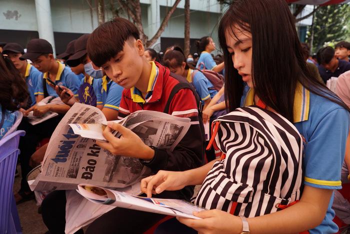 4.000 học sinh về thủ phủ sen hồng nghe tư vấn tuyển sinh - Ảnh 4.