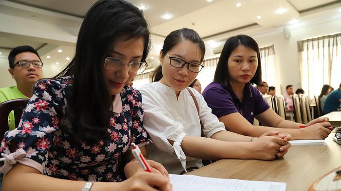 Tuyển sinh lớp 10 tại TP.HCM và Hà Nội: Nhiều điểm mới sát sườn - Ảnh 1.