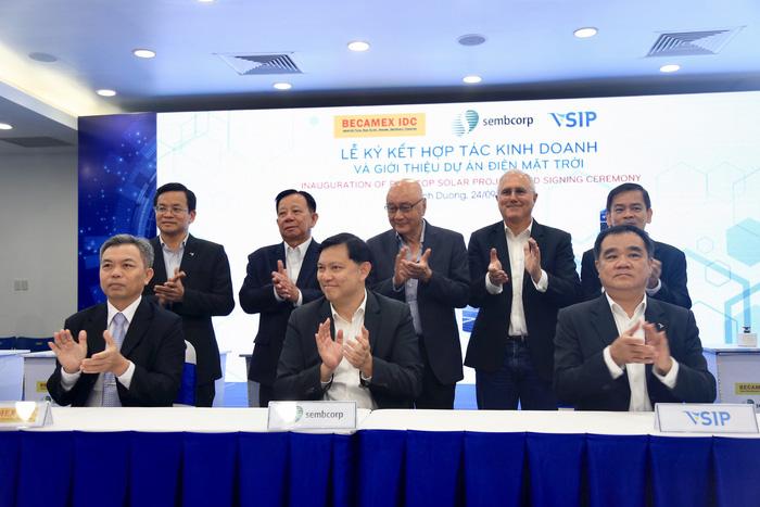 Bình Dương hợp tác Singapore phát triển năng lượng mặt trời - Ảnh 2.