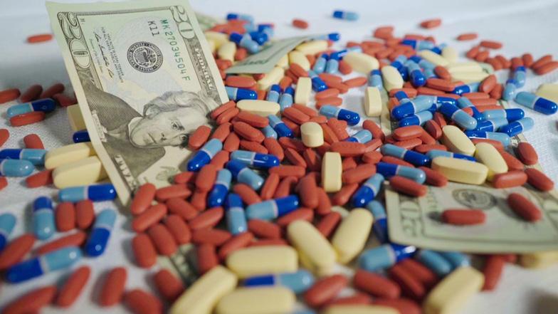 Bê bối kinh hoàng: hãng dược Mỹ chi gần 20 triệu đôla cho bác sĩ - Ảnh 1.