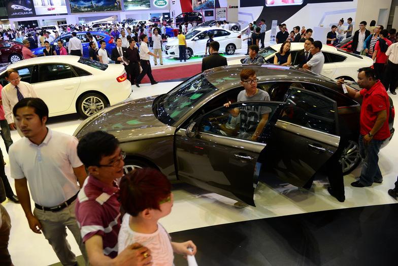 Mazda tăng giá bán trong cơn bão giảm giá xe hơi - Ảnh 1.