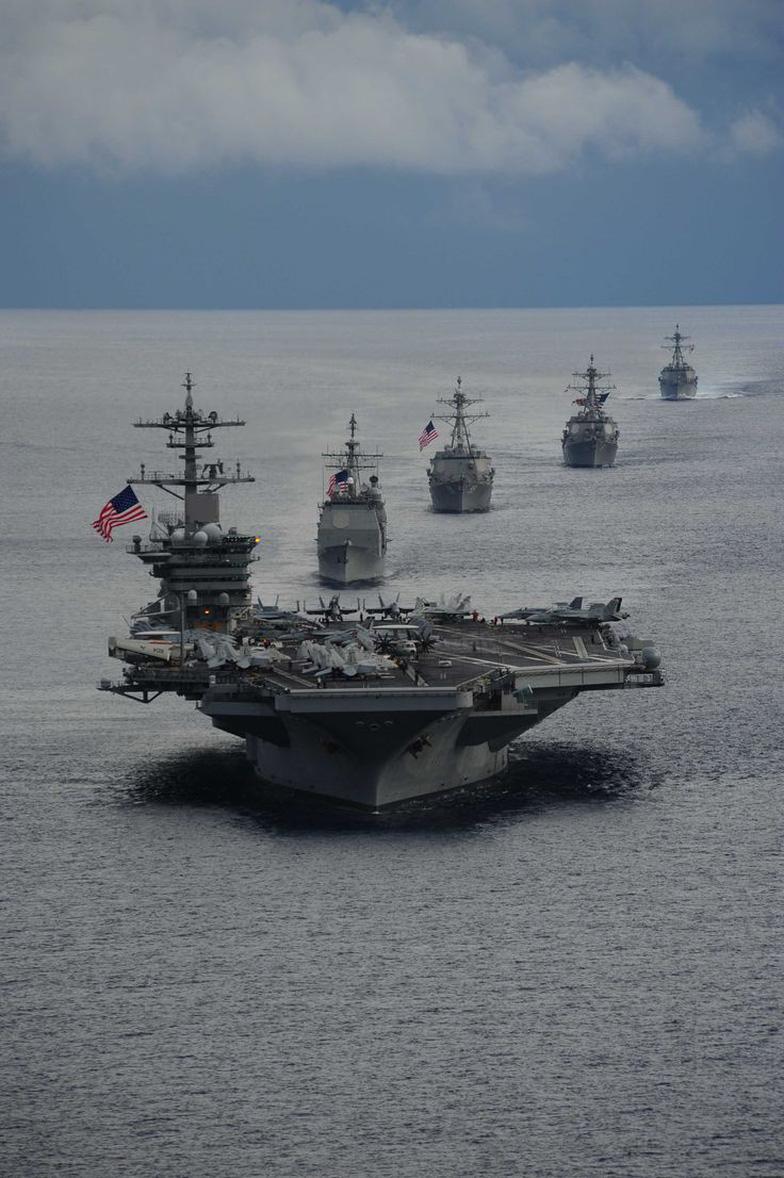 Ba tàu sân bay Mỹ tới châu Á bảo vệ ông Trump - Ảnh 10.