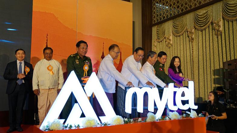 Thực hiện thành công cuộc gọi đầu tiên của Viettel tại Myanmar - Ảnh 1.