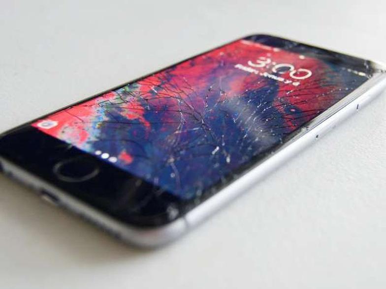 Phòng và xử lý sự cố vỡ màn hình điện thoại như thế nào? - Ảnh 1.