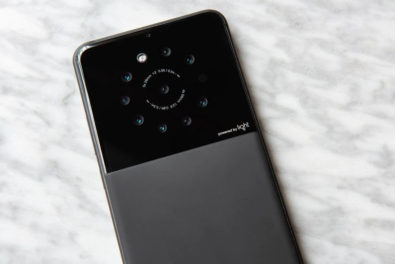 Sắp có smartphone trang bị 5 đến 9 camera - Ảnh 1.