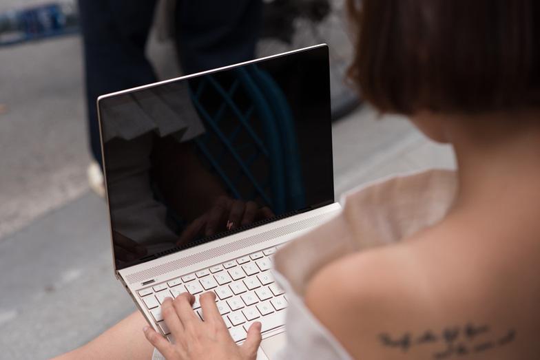 Laptop HP Envy 13 inch, kiêu sa cho doanh nhân khởi nghiệp - Ảnh 2.