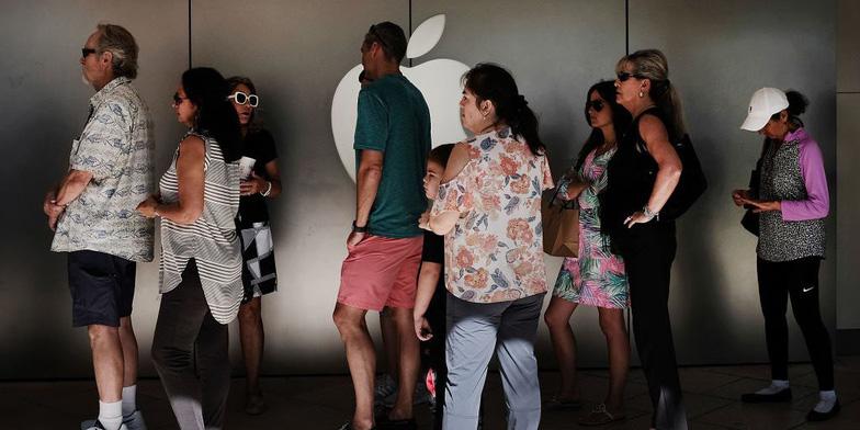 Apple rối vì người dùng iPhone ồ ạt thay pin mới - Ảnh 1.
