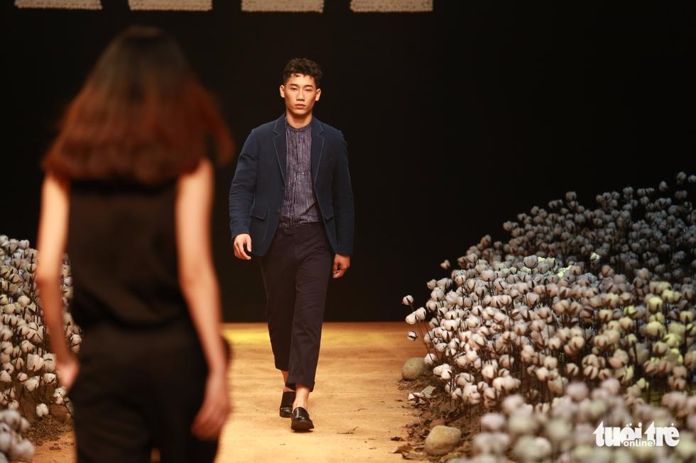 Lan Khuê, Minh Hằng khiến khán giả nhún nhảy với ELLE show - Ảnh 8.