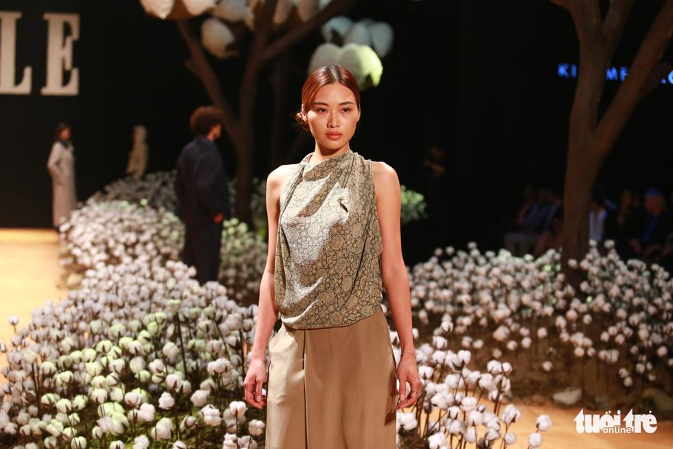 Lan Khuê, Minh Hằng khiến khán giả nhún nhảy với ELLE show - Ảnh 12.