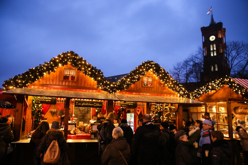 Đi chợ Giáng sinh trời Âu có gì vui? - Ảnh 1.