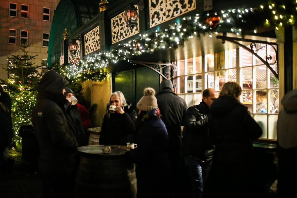 Đi chợ Giáng sinh trời Âu có gì vui? - Ảnh 10.