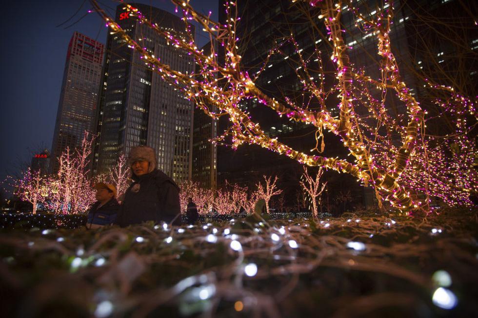 Thế giới rực rỡ đón Noel - Ảnh 12.