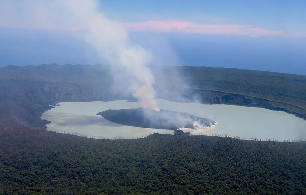 Những hình ảnh núi lửa phun trào ám ảnh trong năm 2017 - Ảnh 10.